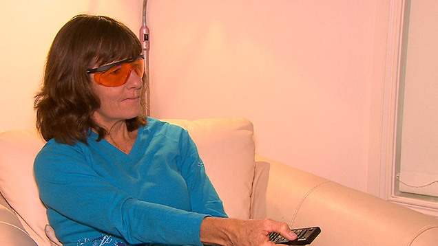 Оранжевые очки для защиты глаз от вечернего освещения