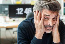 Стресс приводит к седине волос